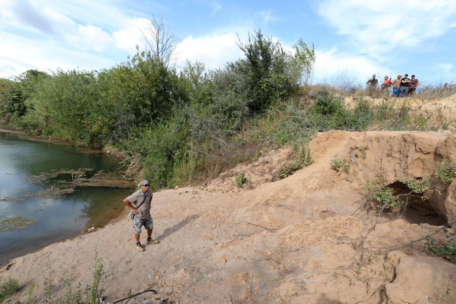 Le fleuve a tendance à sortir de son lit lors d'épisodes pluvieux importants. Jusqu'à faire céder des rivages.