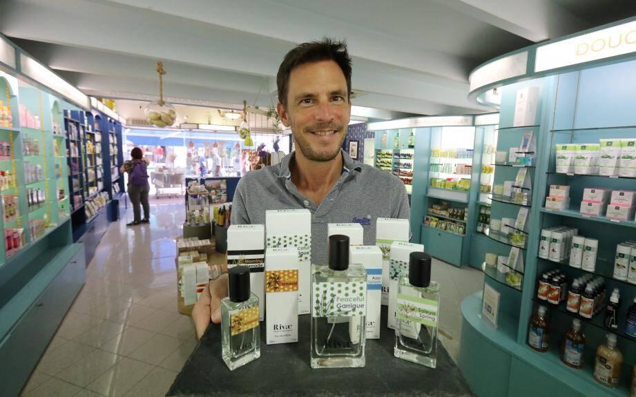 Depuis sa boutique mentonnaise, Julien Foucher veut désormais rayonner sur toute la Côte d'Azur avec une nouvelle gamme de parfums, qui évoquent les multiples facettes de la French Riviera.