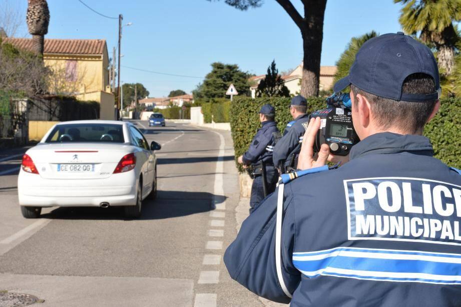 """Augmentation des effectifs, du nombre de caméras, nouveaux locaux… : la maire Nathalie Bicais dit vouloir faire de la police municipale """"une priorité""""."""