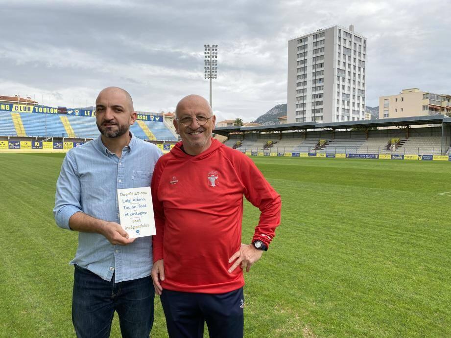 Giovanni Privitera et Luigi Alfano, sur la pelouse de Bon Rencontre, actuel fief du Sporting. Dans les années 80, les Azur et Or foulaient la pelouse du stade Mayol.