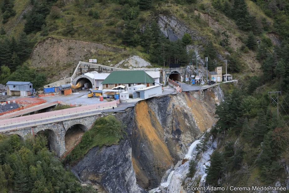 Vue impressionnante de l'entrée du tunnel prise peu après la tempête.