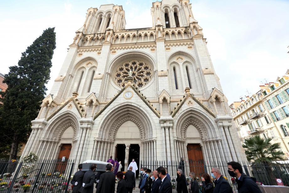 Les obsèques se sont déroulées en la Basilique Notre-Dame, là où Nadine Devillers a été assassinée.