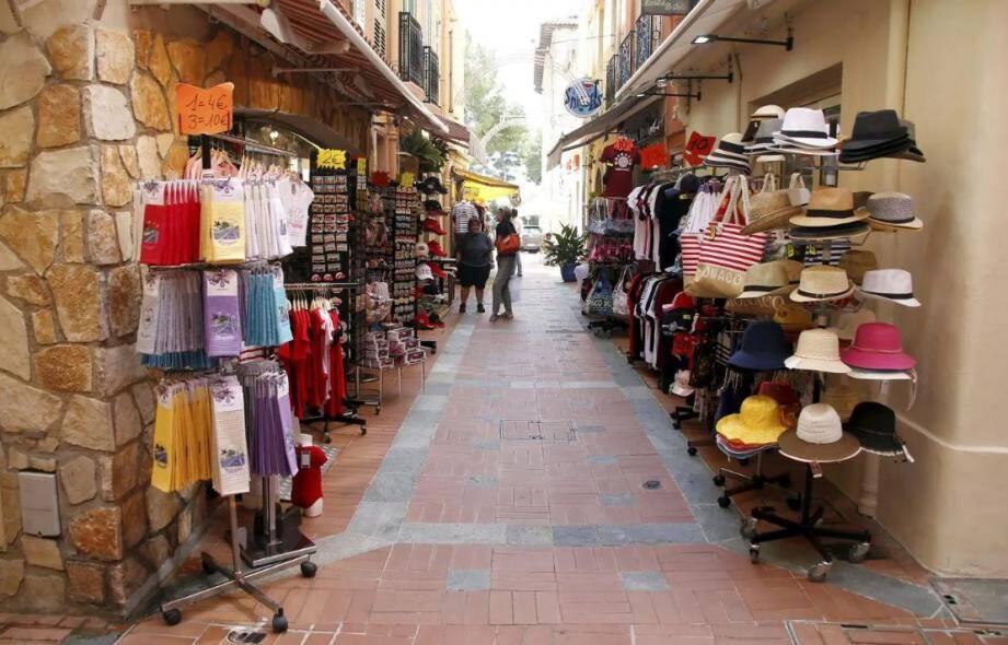 Cet été, les commerces des ruelles de Monaco étaient désertés