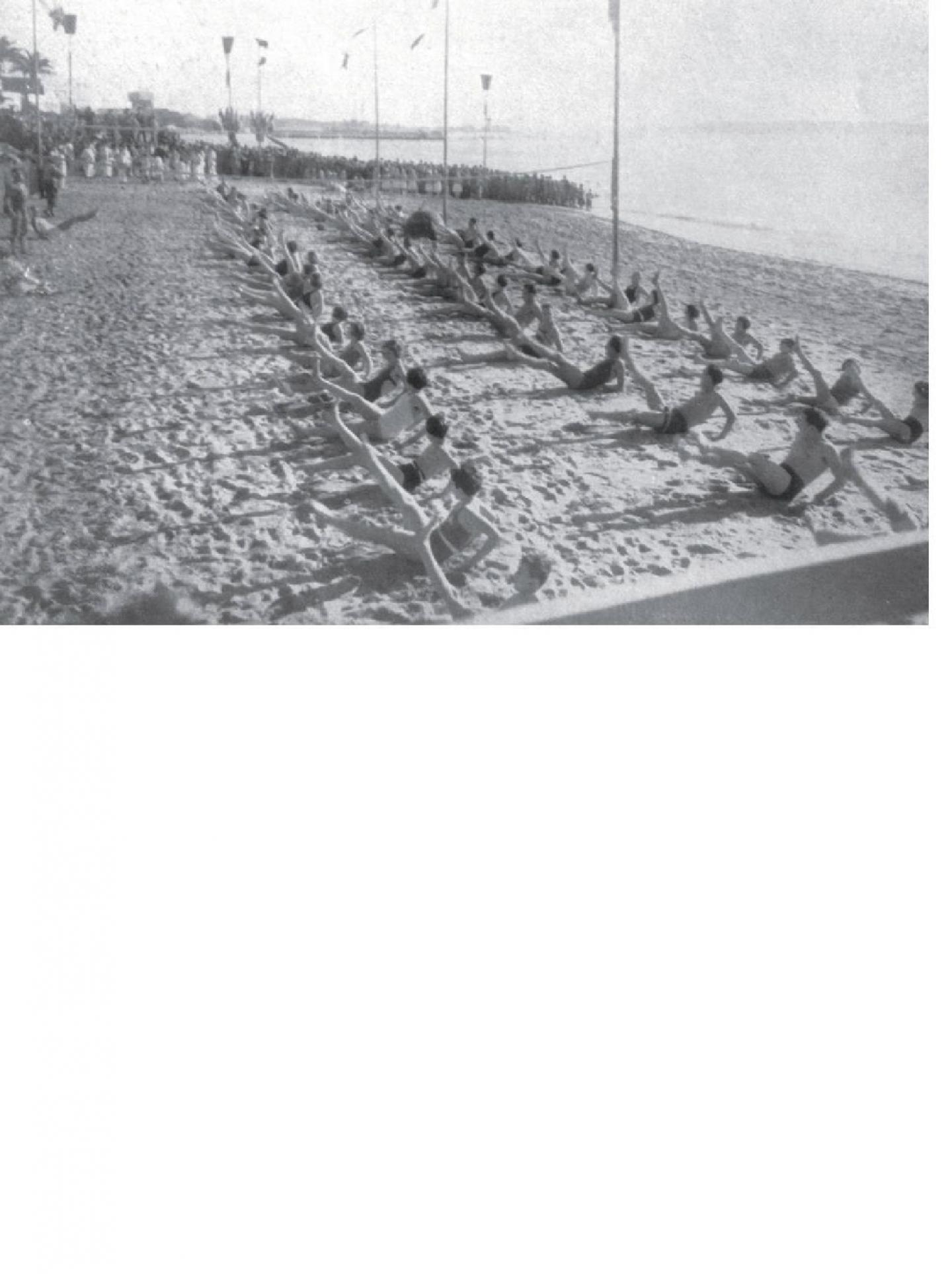 La plage du Midi à Cannes, en 1934.