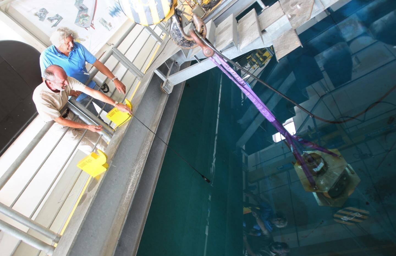 Parmi les équipements de Thales Underwater Systems, des cuves acoustiques de huit mètres de profondeur pour tester les performances des sonars.(Ph. A.B.-J.)
