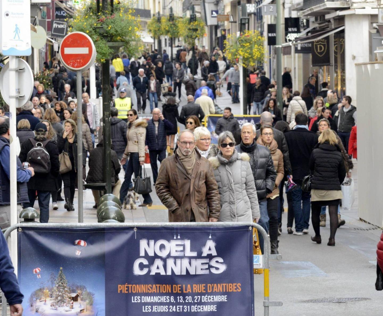 Sans véhicules, la rue d'Antibes est une galerie marchande à ciel ouvert.