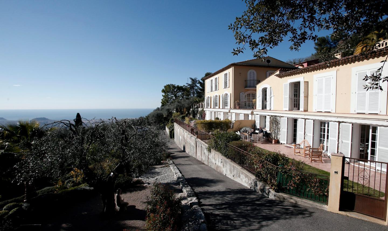 Lou Soubran : une splendide demeure sur les hauteurs de l'aire Saint-Michel, avec vue imprenable sur la Baie des Anges.