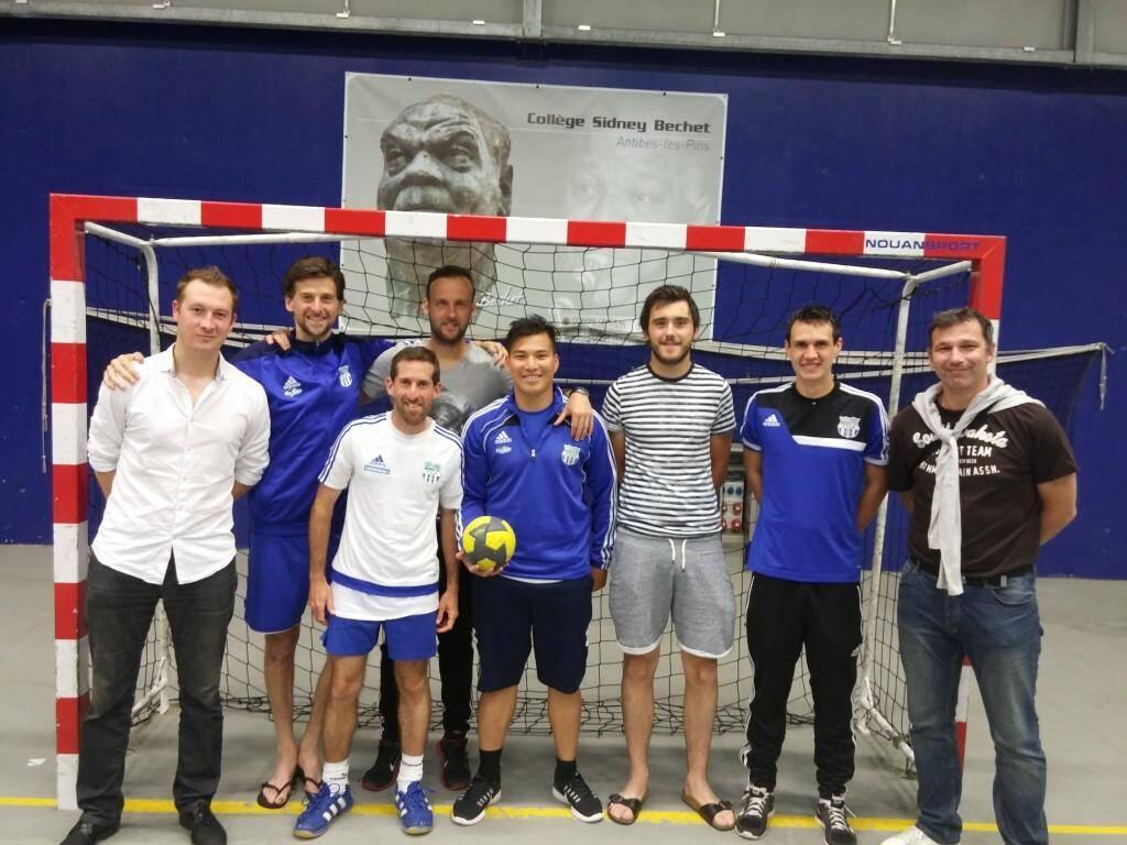 Les footballeurs du FCA ont remporté la troisième journée du challenge, consacrée au handball.(DR)