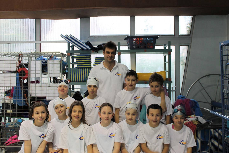 Le groupe Avenirs avec l'entraîneur Jordan Verdebout.