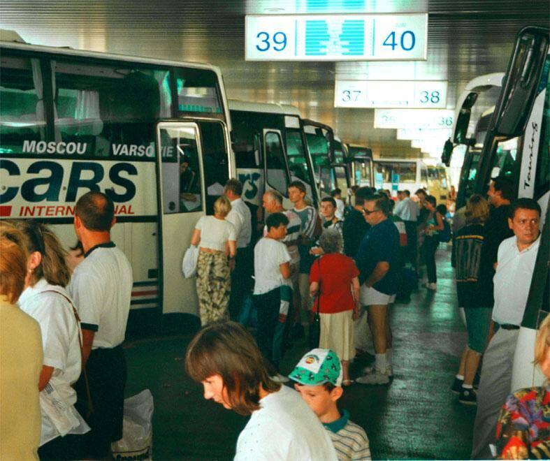 Départ pour Moscou de la gare routière de Nice.