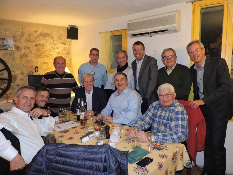 A l'Échappée belle, les organisateurs, les élus et Raymond Poulidor.