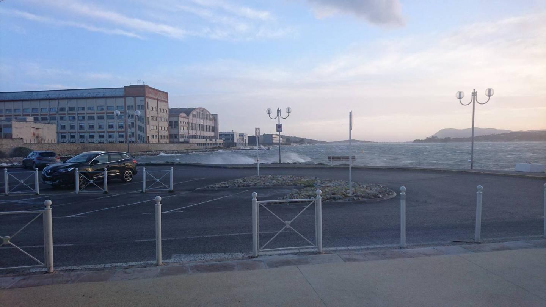 Au Port marchand à Toulon