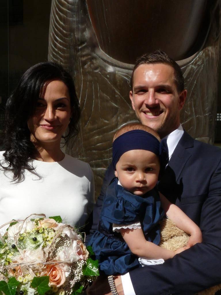 Damien Michel, hôtelier, et Stéphanie Nicolas, architecte, accompagnés de Jeanne