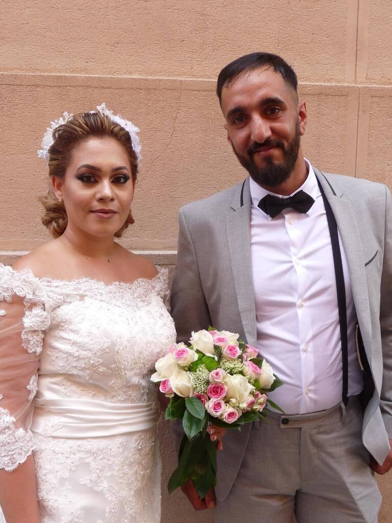 Sabrina Lafi, aide-soignante, et Mehdi Kechrida, réparateur en téléphonie.