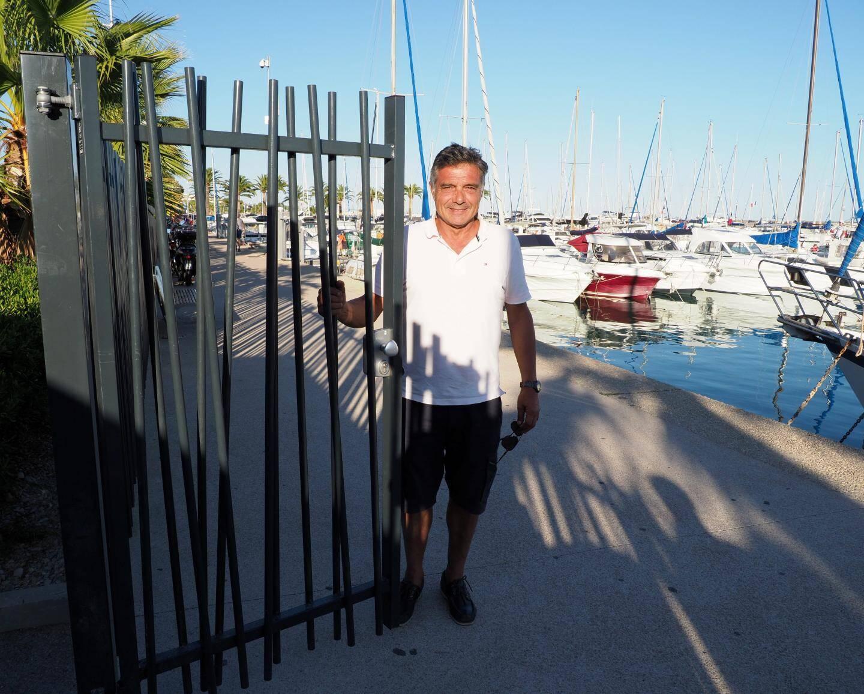 Bernard Leporati, président du Yacht-Club de St-Laurent est à l'initiative de cette barrière anti-intrusion.