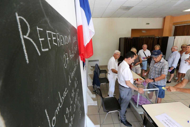 Les votants sont venus nombreux pour ce premier référendum à Fréjus.