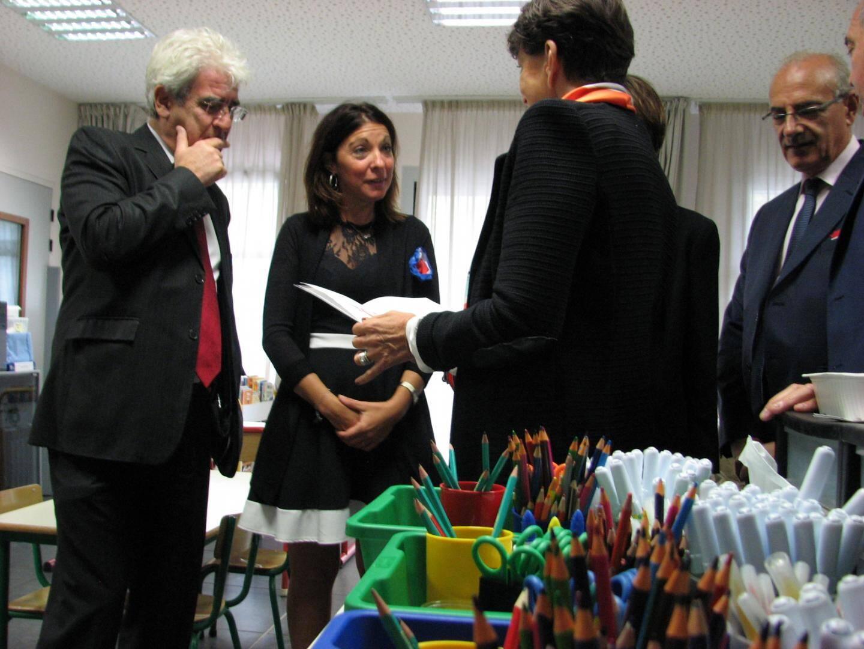 L'inspecteur Pierre Judenne (à gauche), la directrice Sandrine Géniaux, la présidente de Provence verte Josette Pons et le sous-préfet André Carava.