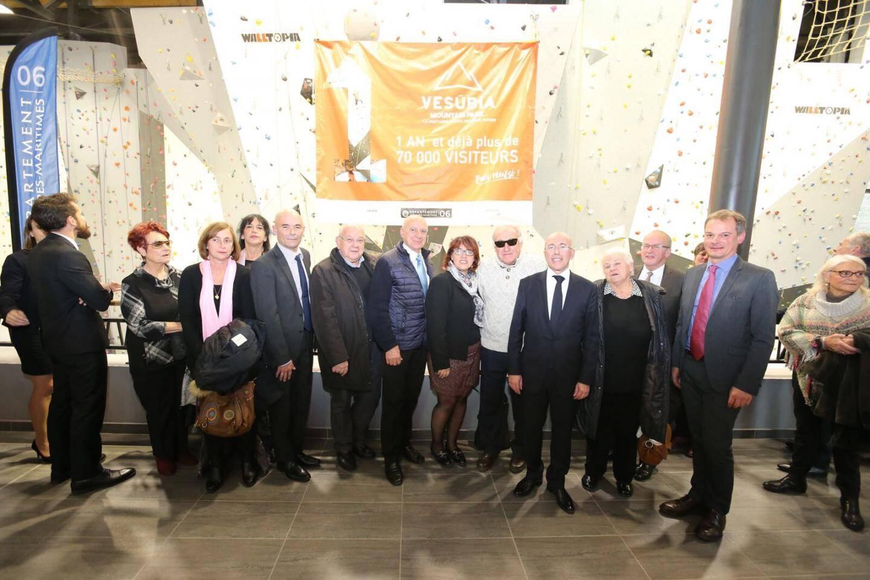 Eric Ciotti entouré de maires et d'élus de la Vallée et de Guillaume Légaut, directeur de l'UCPA qui gère l'équipement, a présenté le bilan d'un an d'activités.