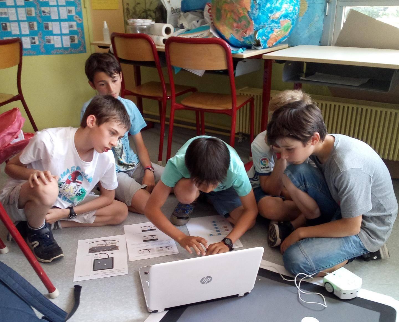 Apprentissage de l'informatique, dans la classe de Magali Gomes da Rosa, professeur à l'école Jacques Prévert d'Antibes.