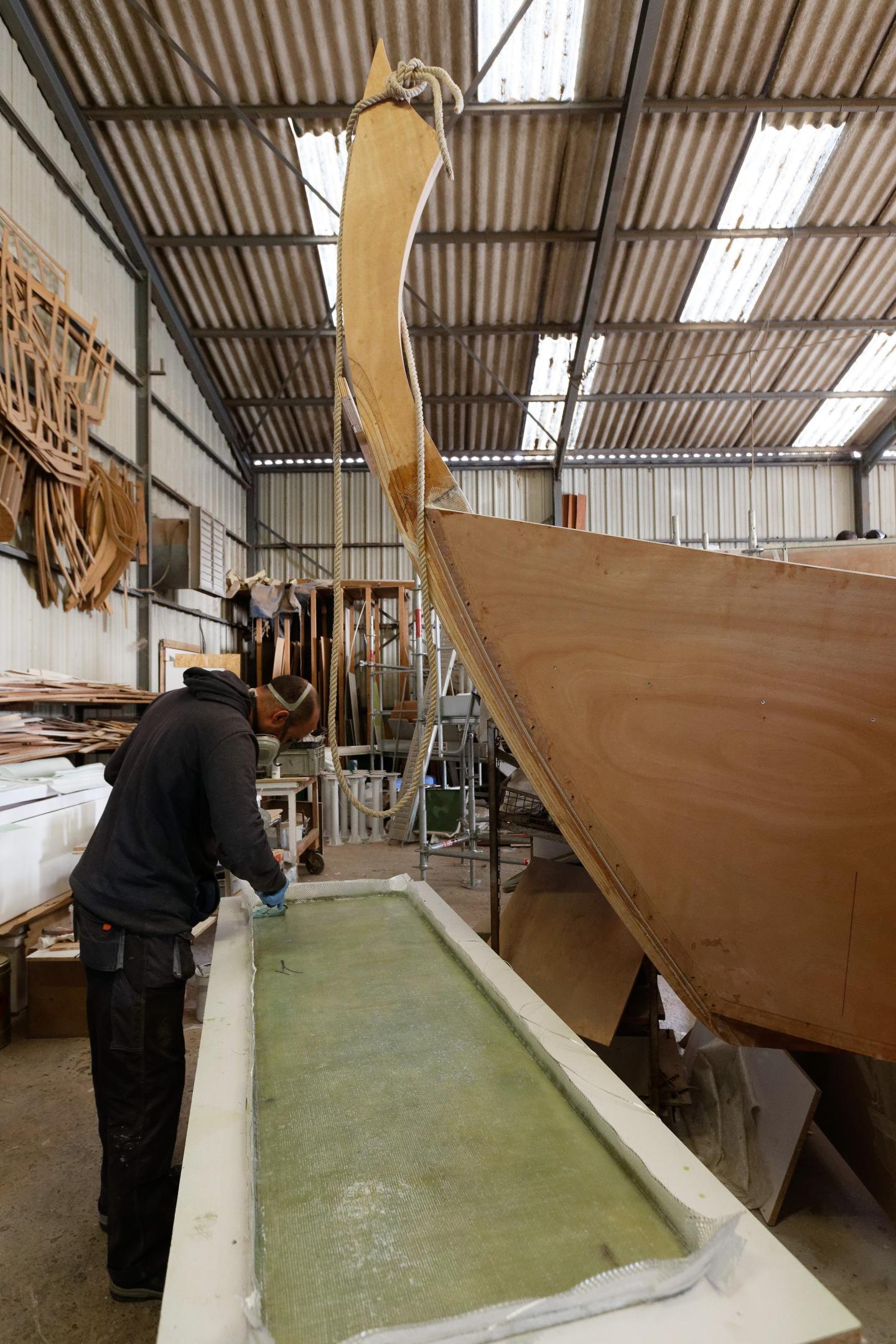 Les barques mesurent 7,50 m et pèsent 650 kg.