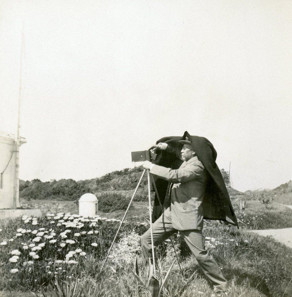 Le prince Albert Ier était passionné de photo. Celle-ci est attribuée au roi d'Italie, Victor-Emmanuel