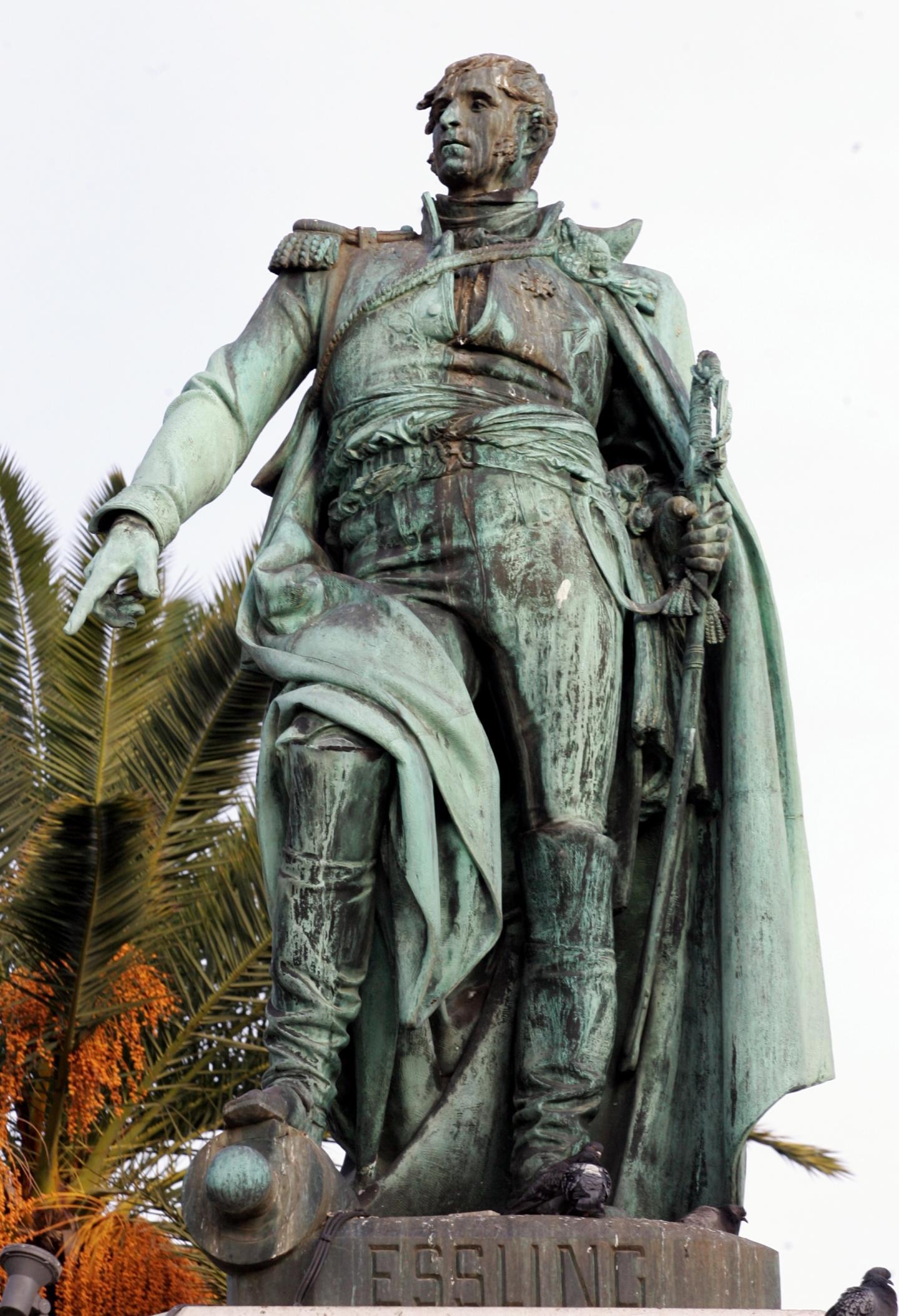 La statue du général Masséna.
