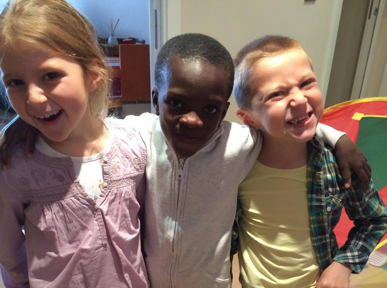 Célestine, Victor et le «petit» Modibo.