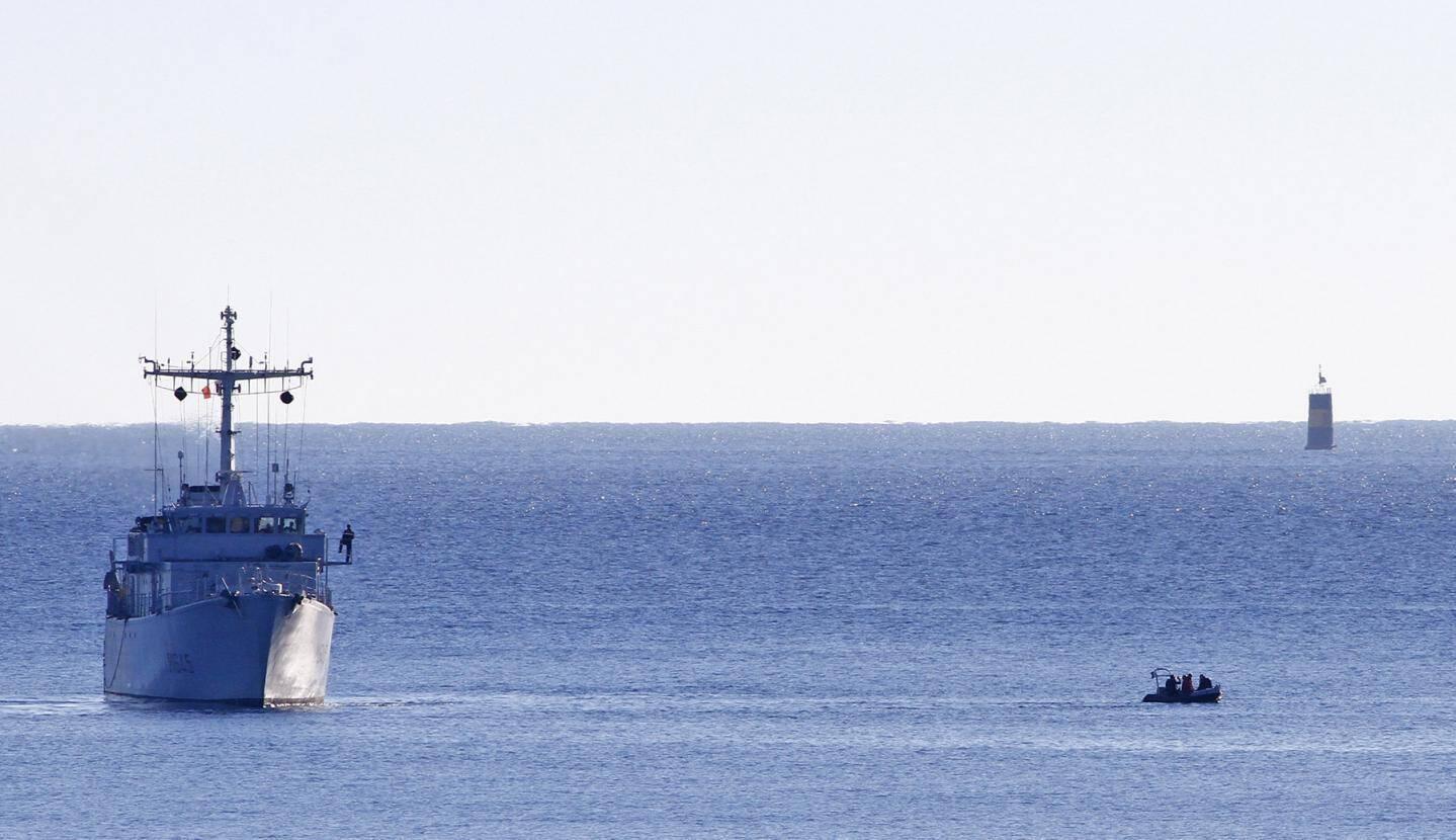 La journée de lundi sera consacrée à la localisation précise des torpilles et de la mine à orin.