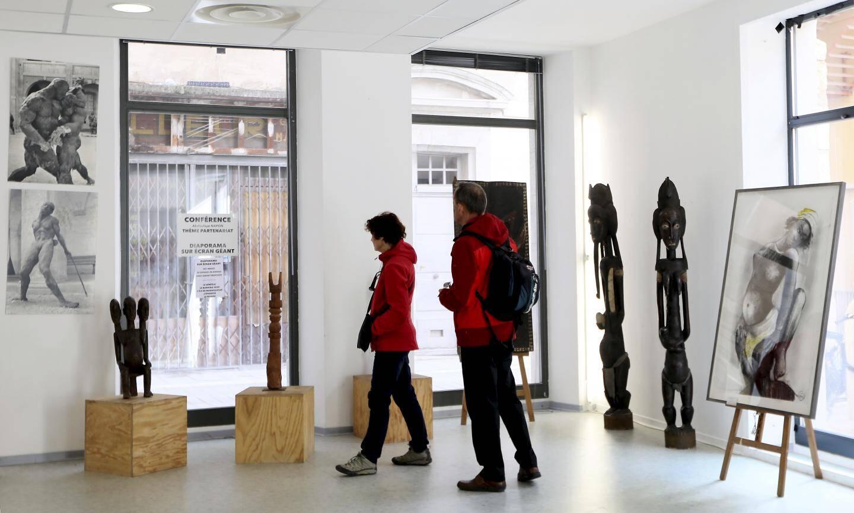 L'art africain exposé à la salle du Port des Créateurs.
