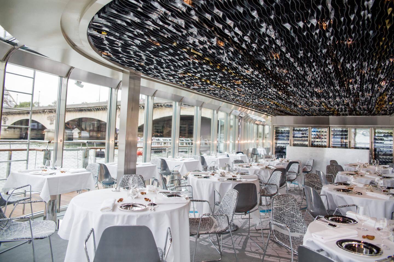 L'aménagement intérieur a été confié au duo de couturier-designers Maurizio Galante et Tal Lancman qui assureront la direction artistique et culturelle du bateau.