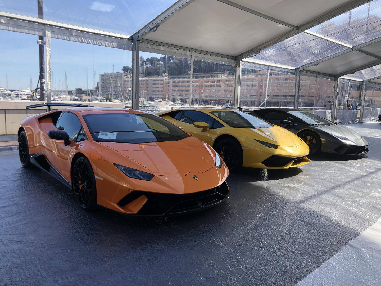 Les Lamborghini (Huracan Performante Spyder, Huracan Performante et Aventador S Roadster).
