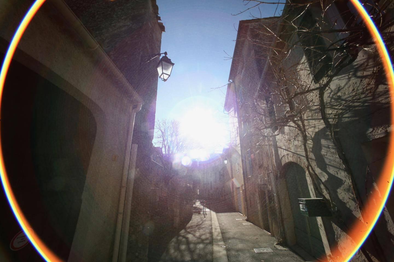 Par souci d'économie d'énergie, toutes les ampoules des lampadaires du village ont été transformées en LED.