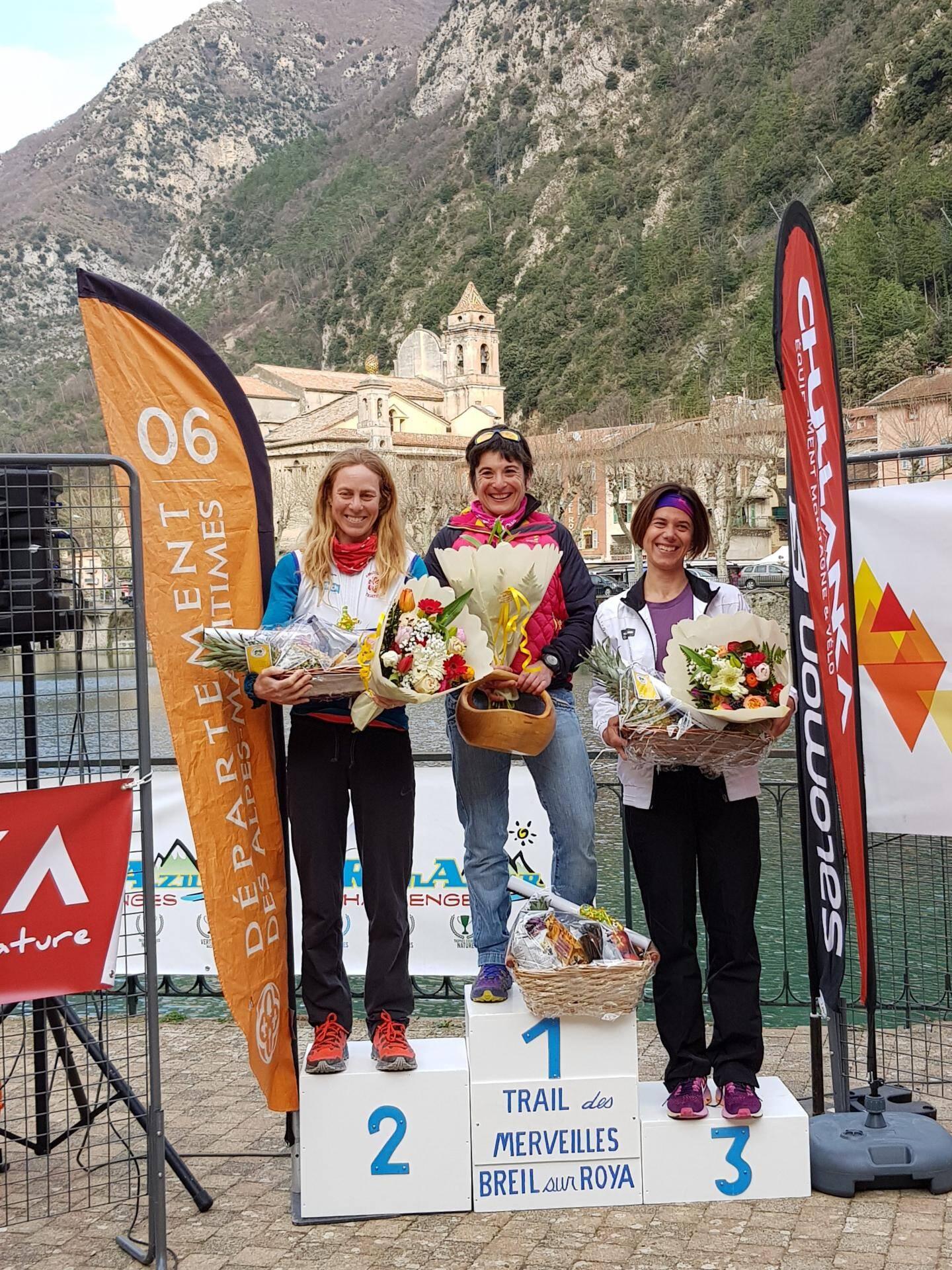 Le podium du 27 km : Julien Simonot devance Nicholas Wormald et Thibault Tchilinguirian.