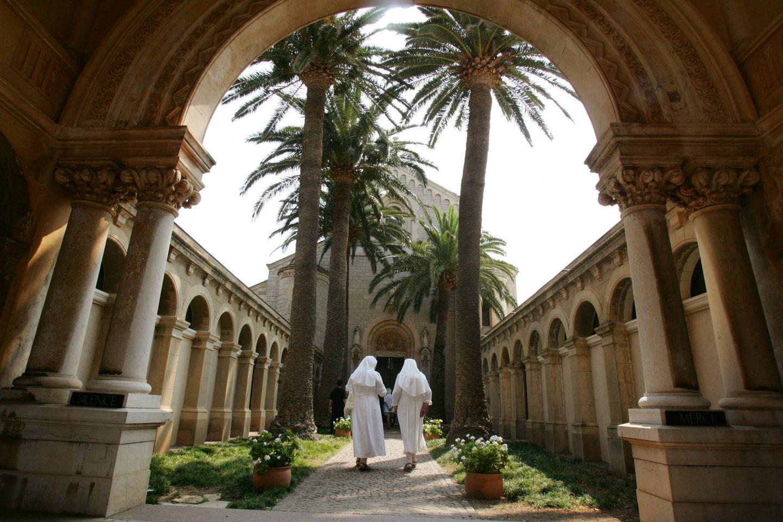 L'abbaye de Lérins, située sur l'île Saint-Honorat.
