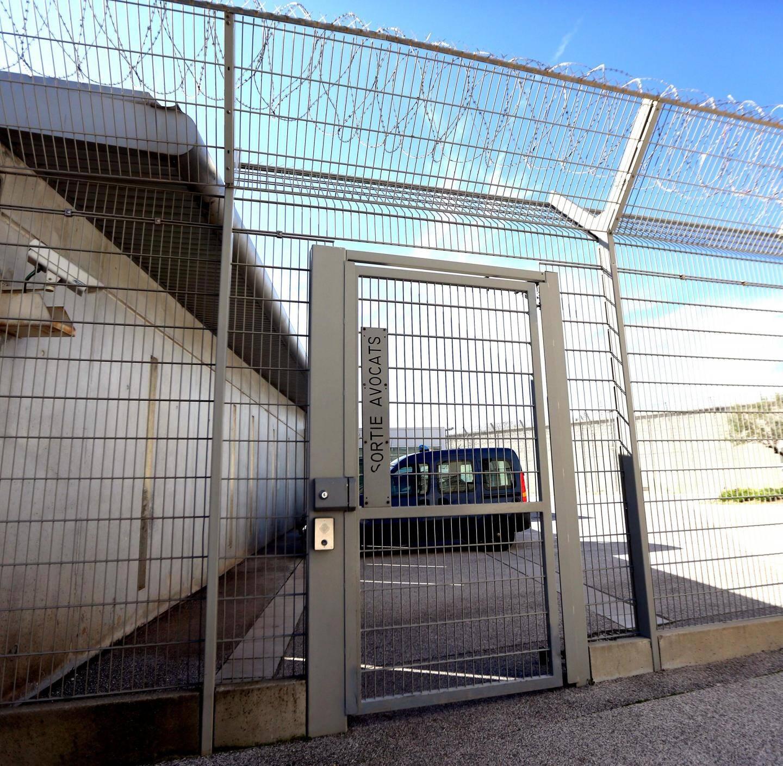 """Deux """"prisons ouvertes"""" devraient prochainement voir le jour en France."""