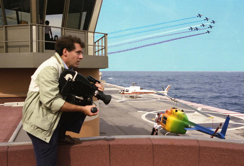 Passionné de cinéma et d'avions, il a eu les félicitations de la patrouille de France pour l'un de ses films.