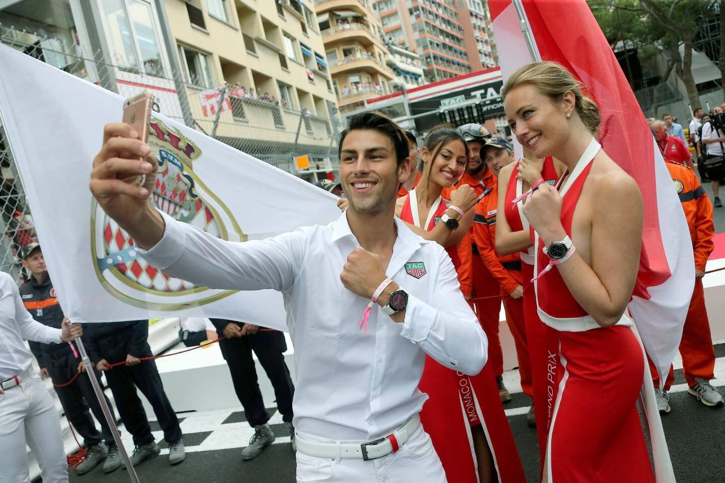 Choisis dans des écoles de mannequins, ils contribuent à l'image du Grand Prix de Monaco.