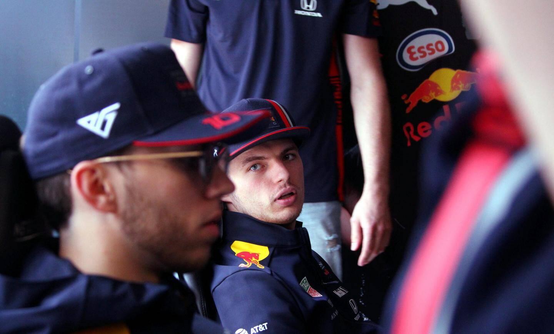 Max Verstappen et Pierre Gasly sur un simulateur Red Bull