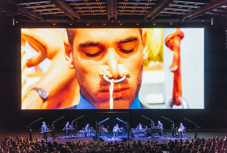 """Lors d'une représentation donnée à la Seine Musicale, à Paris, pour les trente ans du """"Grand Bleu""""."""