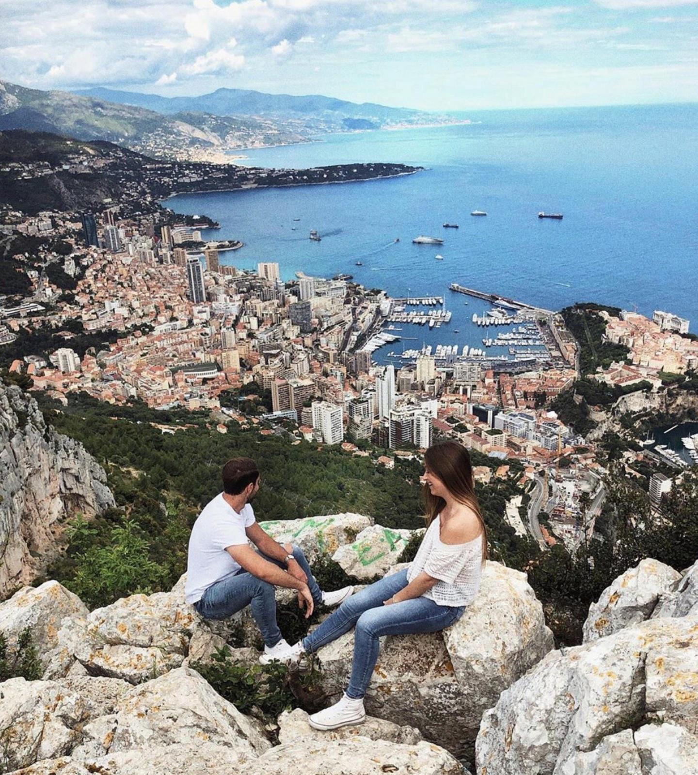 Monaco au petit matin, vu de la Tête de Chien.