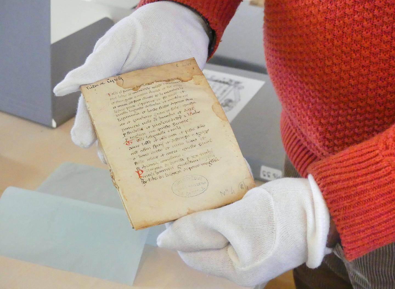 C'est un livre de recette qui date de la fin du Moyen Âge. Il donnerait la notice, en latin, pour réaliser des pâtes ou des raviolis.