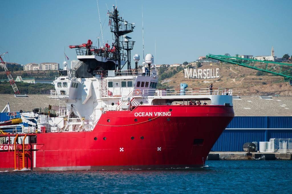 Le bateau humanitaire Ocean Viking de SOS Méditerranée et Médecins sans Frontières arrive dans le port de Marseille le 29 juillet 2019