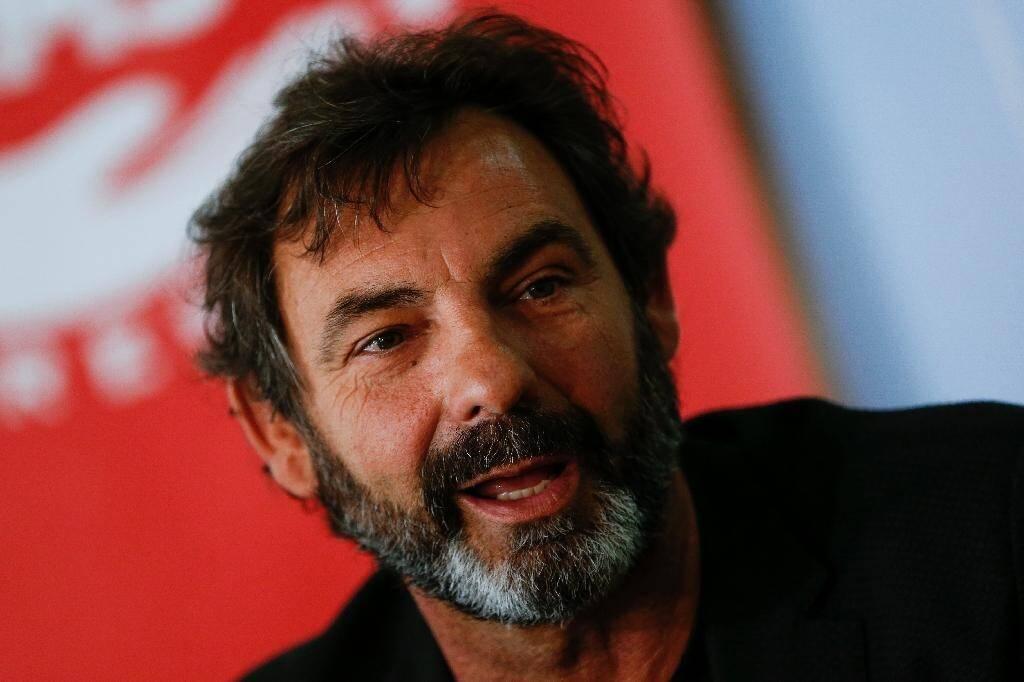 Le fondateur de l'ONG Proactiva Open Arms Oscar Camps participe à une conférence de presse à Badalona, dans le nord-est de l'Espagne