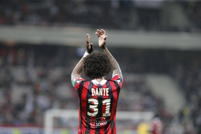 Le capitaine Dante lors du dernier match de la saison, face à l'AS Monaco.