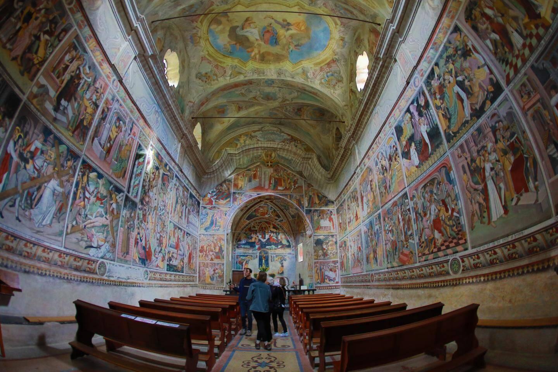 L'intérieur de Notre-Dame des Fontaines.