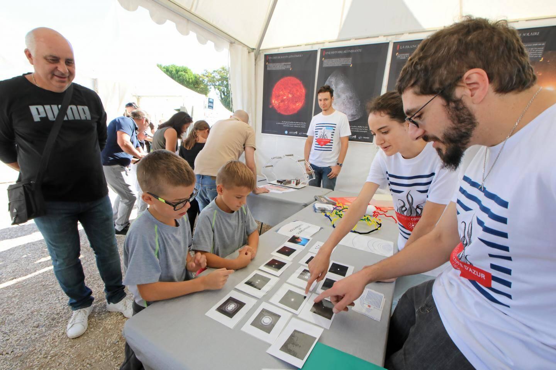 Sur la colline du Château se tient jusqu'à cet après-midi, le festival des Sciences pour tout comprendre en s'amusant.