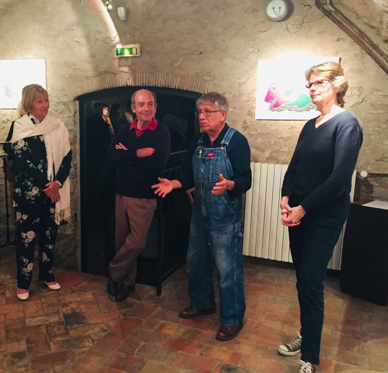 Les artistes dans le cadre culturel de la chapelle.