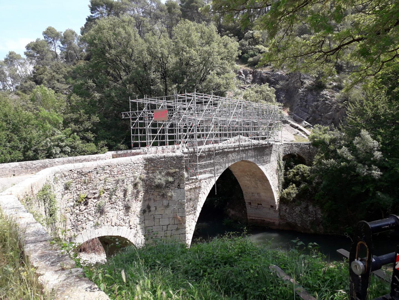 Un pont à Entrecasteaux fait aussi l'objet de rénovation
