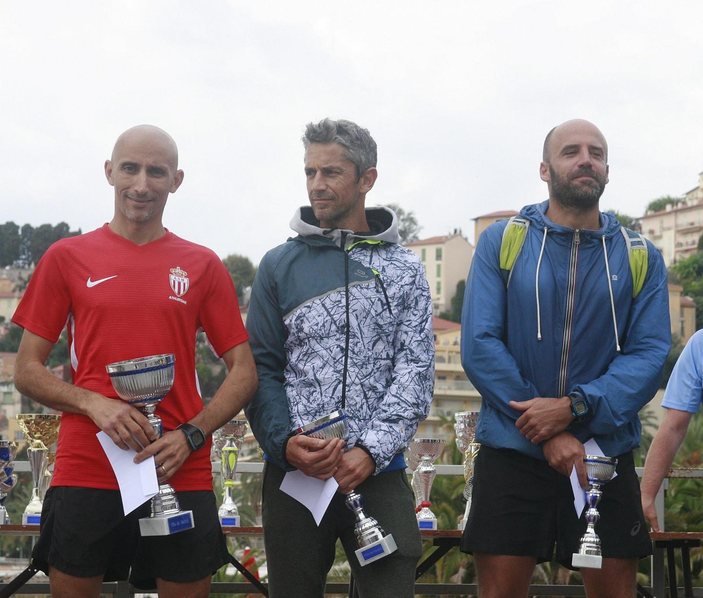 Le podium homme (de gauche à droite): Kais Adli (AS Monaco), Bermont Laurent (Menton Marathon) et Anthony Caveriviere (ind.).