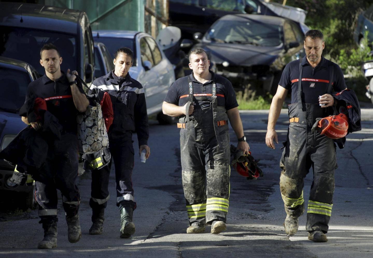 Hier matin, les sapeurs-pompiers quittent les lieux, après une nuit d'efforts pour dégager la victime.